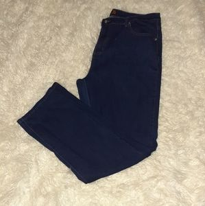 Blue jeans for plus size women